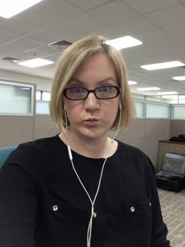 Selfie at work - what to wear as a woman in Saudi Arabia