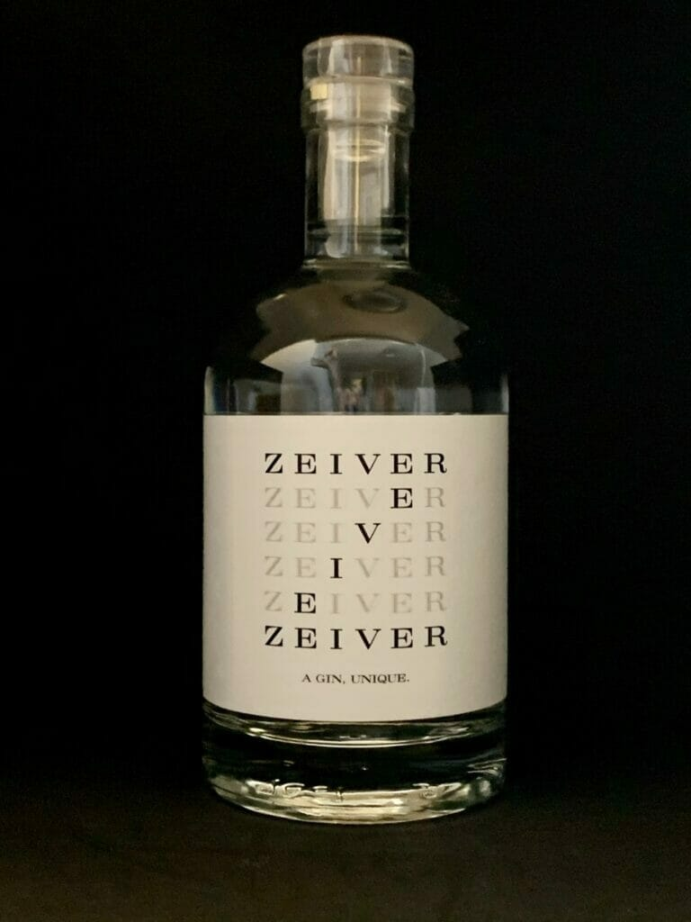 White label Zeiver with black background